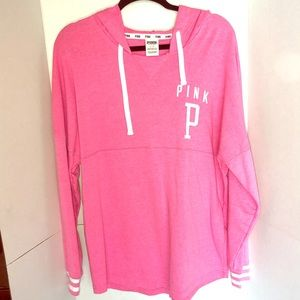 VS PINK soft hooded tunic sweater.
